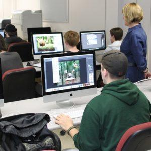 Art class on computers