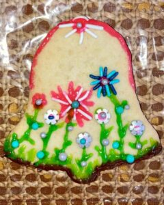 decorated bell-shaped sugar cookie