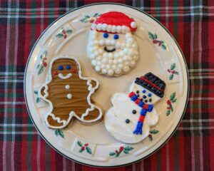 plate with gingerbread man, Santa and snowman cookies